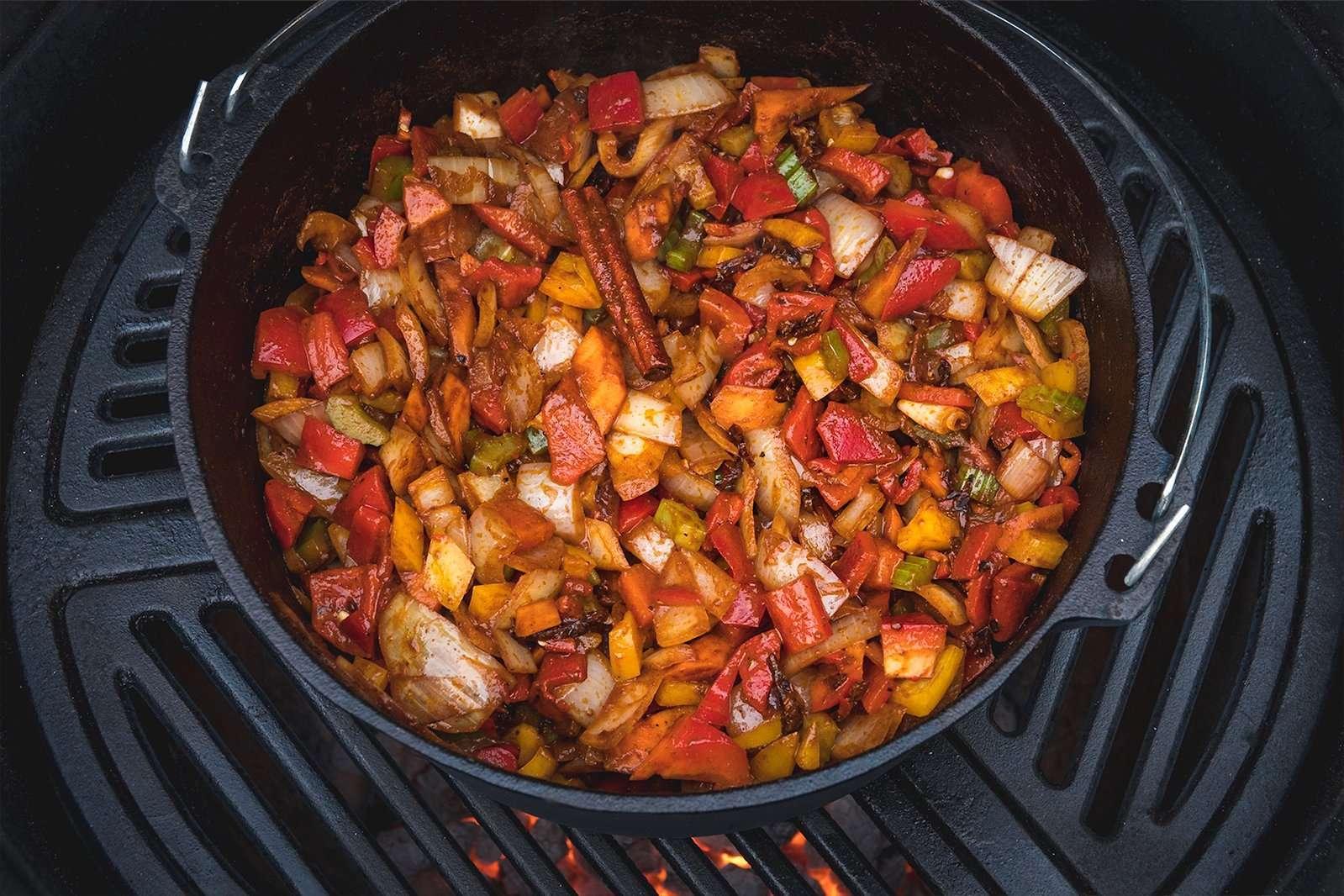 Recept | Dutch Oven Chili Con Carne | Rookplankje.nl