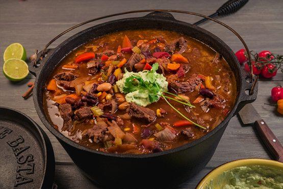 Dutch Oven Chili Con Carne