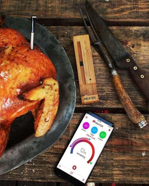 Sfeerafbeelding | Meater Plus | Draadloze Thermometer in gegrilde kip