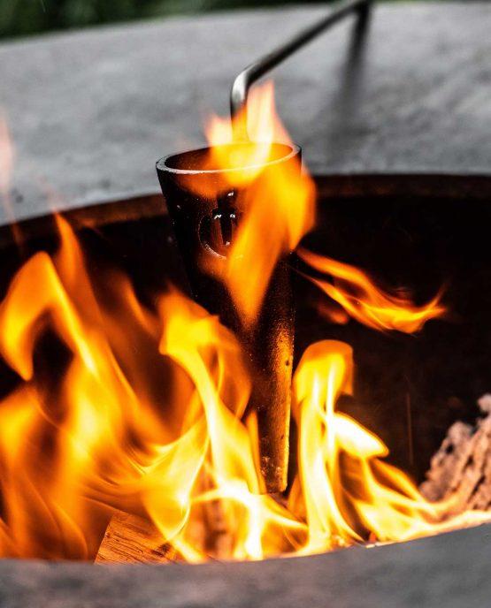 Sfeerbeeld   Churrasco Forged Flambadou   Roodgloeiend in vlammen