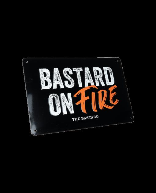 Productafbeelding   The Bastard   Man cave plate 'Bastard on Fire' bordje