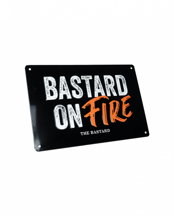 Productafbeelding | The Bastard | Man cave plate 'Bastard on Fire' bordje
